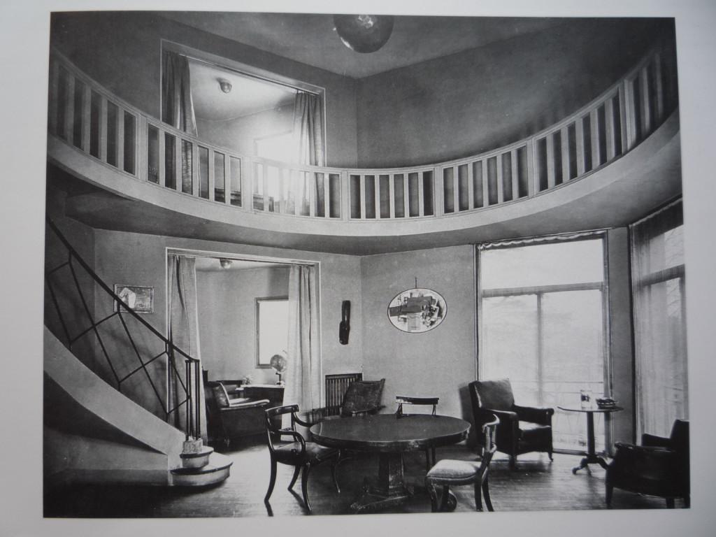 perret_gaut_1923